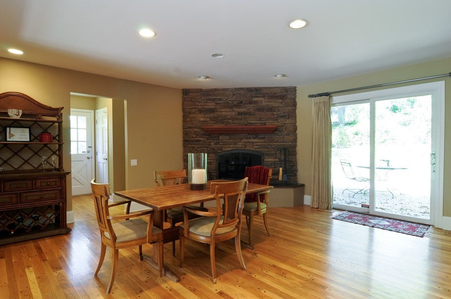 Real Estate Photography - 770 E Hillside Ave, Barrington, IL, 60010 - Breakfast Nook