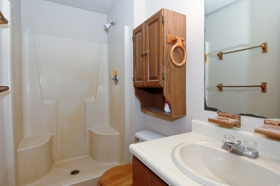 Real Estate Photography - 8919 Bunker Ln, Crystal Lake, IL, 60014 - Master Bathroom