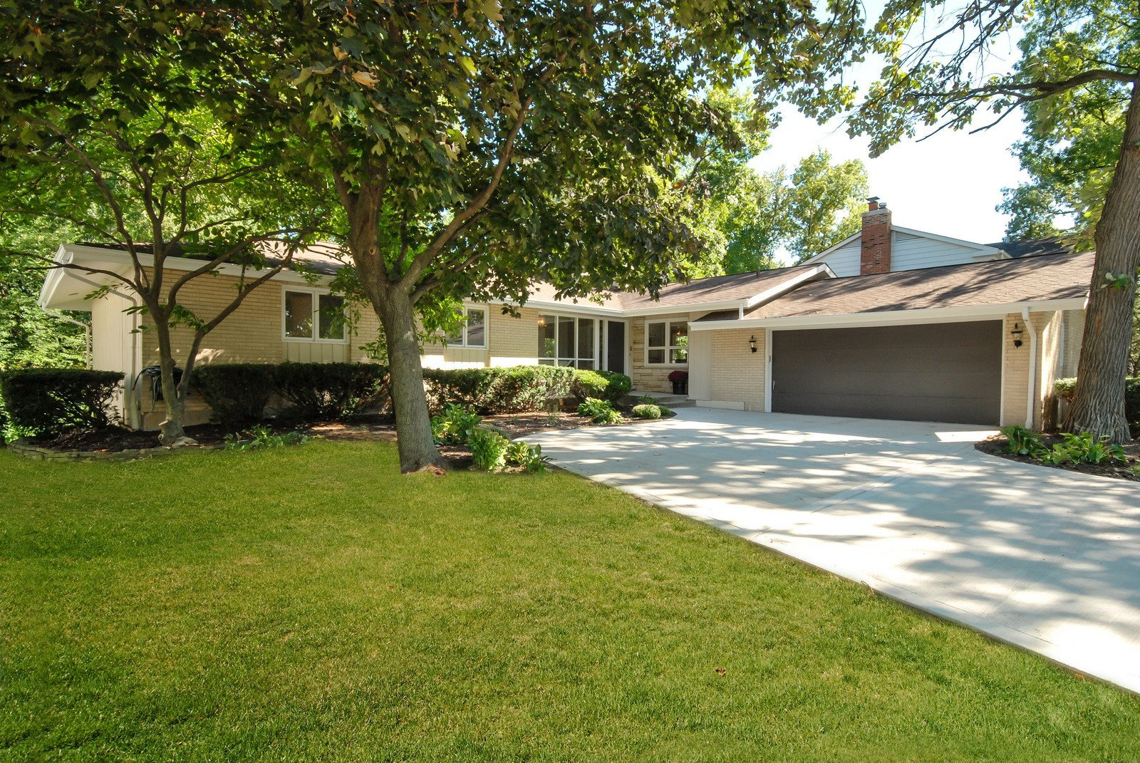 Real Estate Photography - 3661 Saratoga, Downers Grove, IL, 60515 - Front View