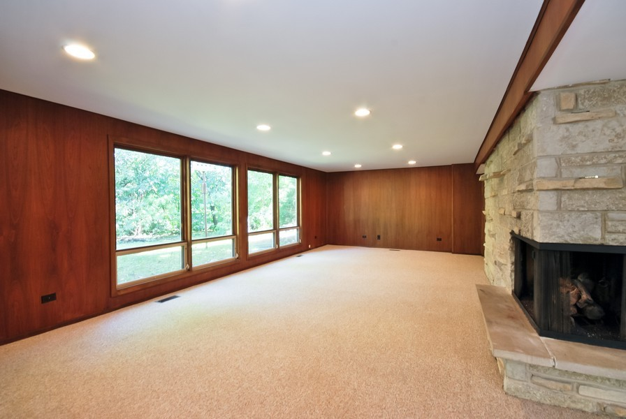 Real Estate Photography - 3661 Saratoga, Downers Grove, IL, 60515 - Living Room