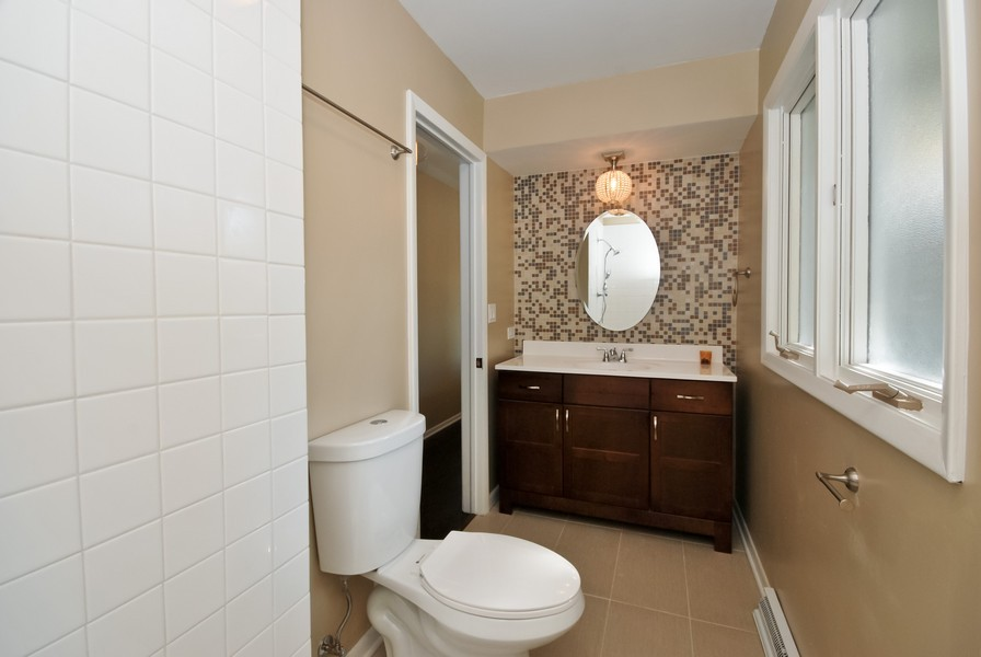 Real Estate Photography - 3661 Saratoga, Downers Grove, IL, 60515 - 2nd Bathroom