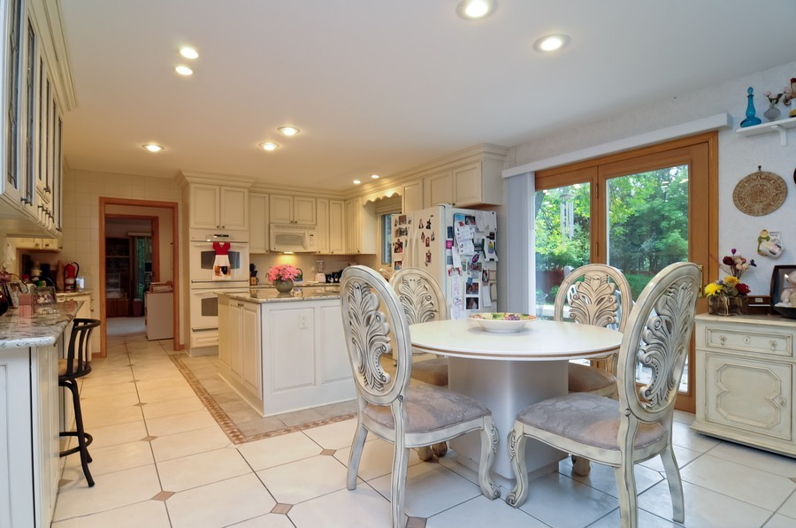 Real Estate Photography - 2383 Shady Ln, Highland Park, IL, 60035 - Kitchen / Breakfast Room