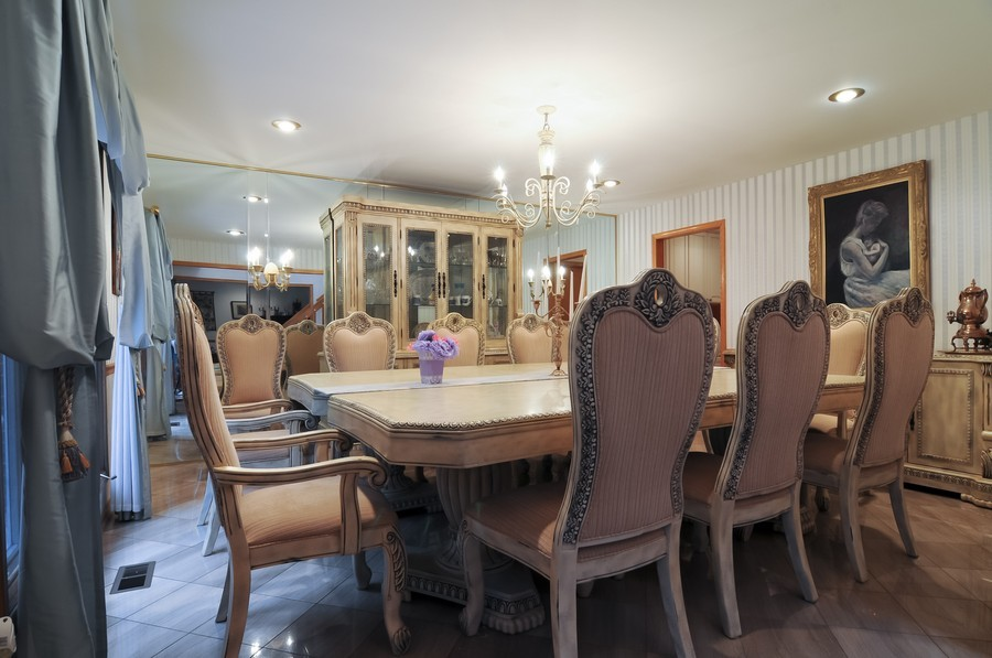 Real Estate Photography - 2383 Shady Ln, Highland Park, IL, 60035 - Dining Room
