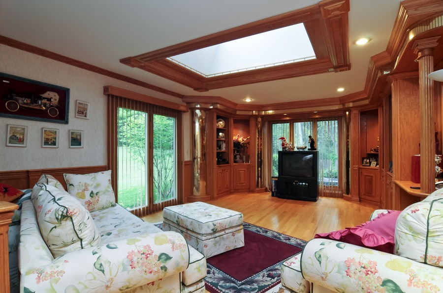 Real Estate Photography - 2383 Shady Ln, Highland Park, IL, 60035 - Great Room
