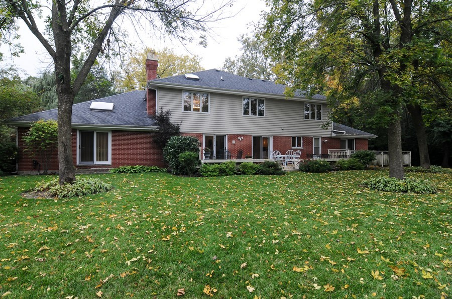 Real Estate Photography - 2383 Shady Ln, Highland Park, IL, 60035 - Back Yard