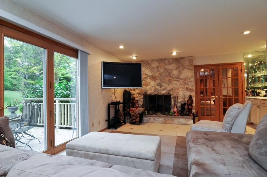 Real Estate Photography - 2383 Shady Ln, Highland Park, IL, 60035 - Family Room
