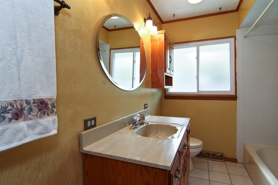 Real Estate Photography - 454 60Th St, Downers Grove, IL, 60516 - Bathroom