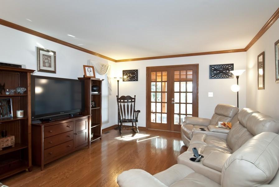 Real Estate Photography - 679 Bent Ridge LN, Barrington, IL, 60010 - Living Room