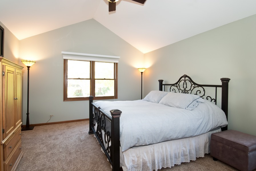 Real Estate Photography - 679 Bent Ridge LN, Barrington, IL, 60010 - Master Bedroom