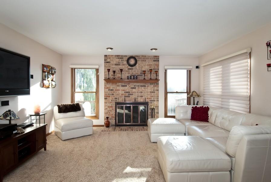 Real Estate Photography - 679 Bent Ridge LN, Barrington, IL, 60010 - Family Room