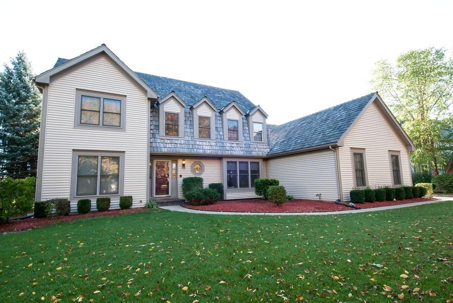 Real Estate Photography - 679 Bent Ridge LN, Barrington, IL, 60010 - Front View