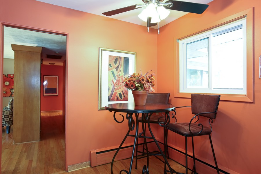 Real Estate Photography - 431 Bunning Dr, Downers Grove, IL, 60516 - Breakfast Area