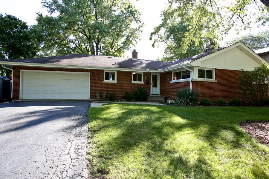 Real Estate Photography - 431 Bunning Dr, Downers Grove, IL, 60516 - Front View