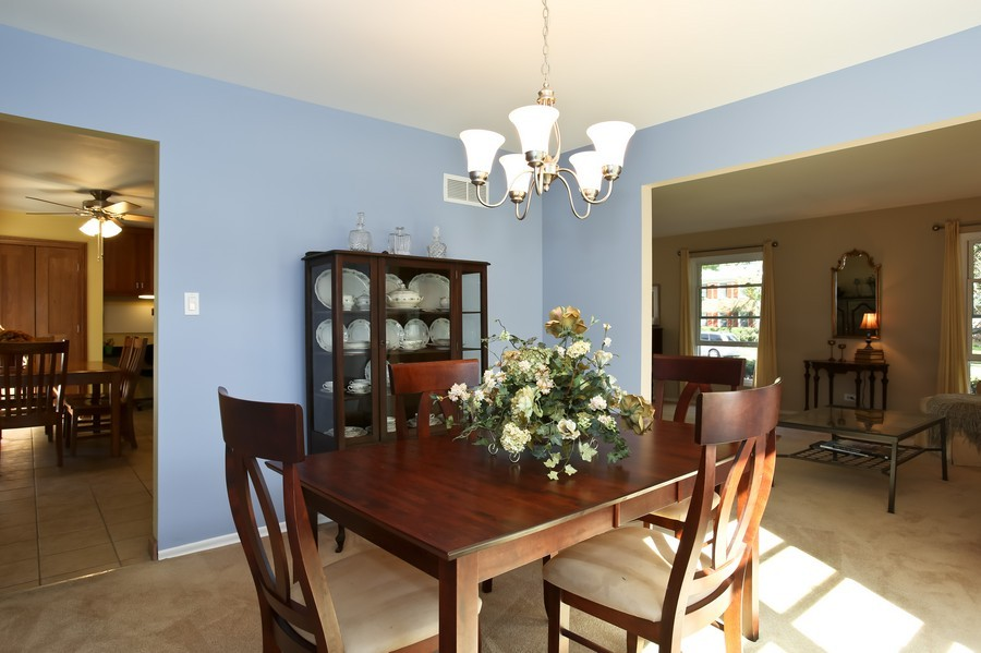 Real Estate Photography - 3940 West End Road, Downers Grove, IL, 60515 - Dining Room
