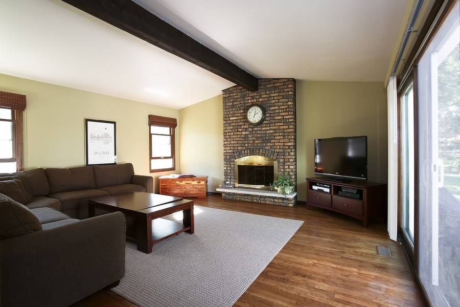 Real Estate Photography - 3940 West End Road, Downers Grove, IL, 60515 - Family Room
