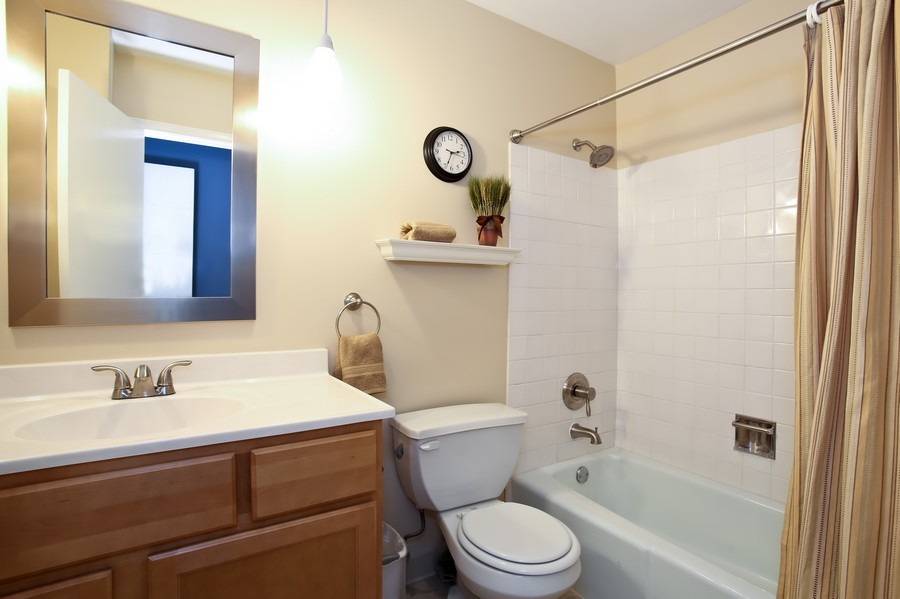 Real Estate Photography - 3940 West End Road, Downers Grove, IL, 60515 - Bathroom