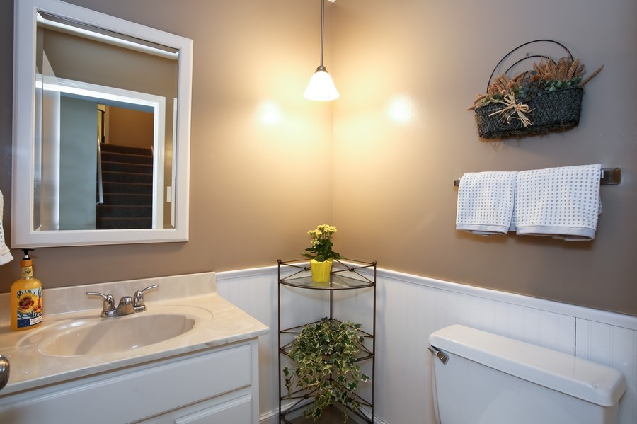 Real Estate Photography - 3940 West End Road, Downers Grove, IL, 60515 - 2nd Bathroom