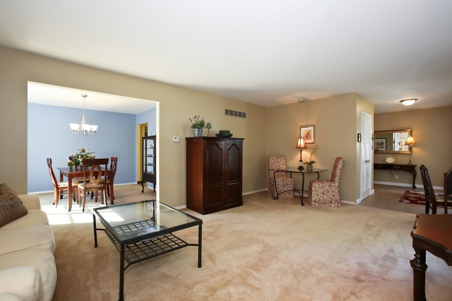 Real Estate Photography - 3940 West End Road, Downers Grove, IL, 60515 - Living Room / Dining Room