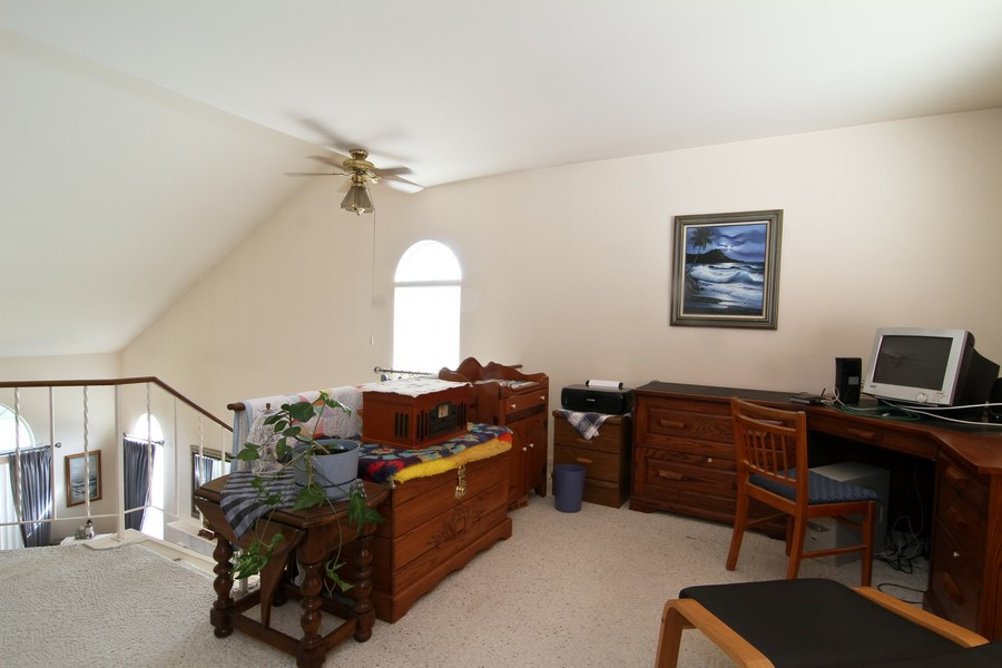 Real Estate Photography - 7815 Darien Lake Dr, Darien, IL, 60561 - Loft