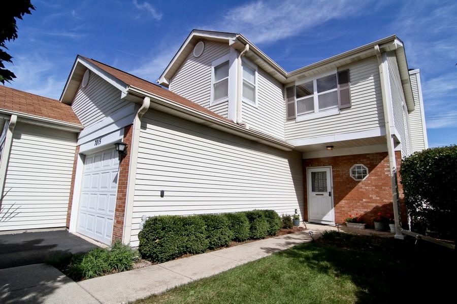 Real Estate Photography - 7815 Darien Lake Dr, Darien, IL, 60561 - Front View