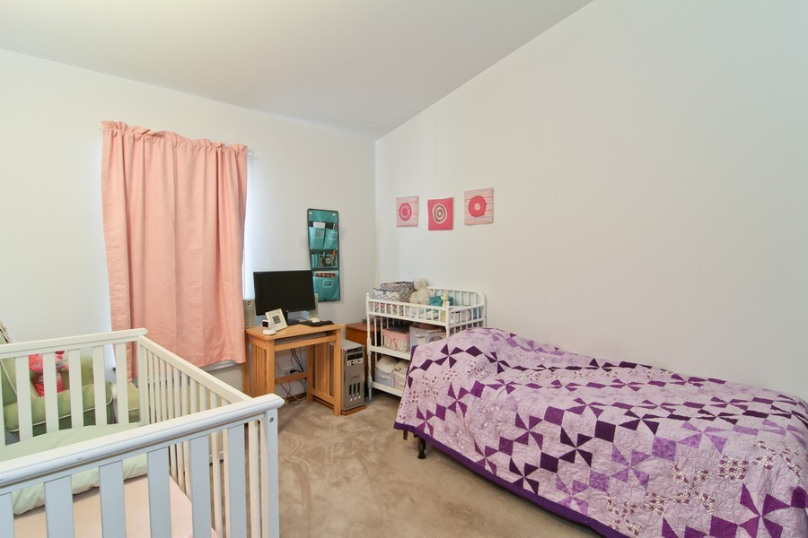 Real Estate Photography - 7330 Canterbury Pl, Downers Grove, IL, 60516 - Bedroom