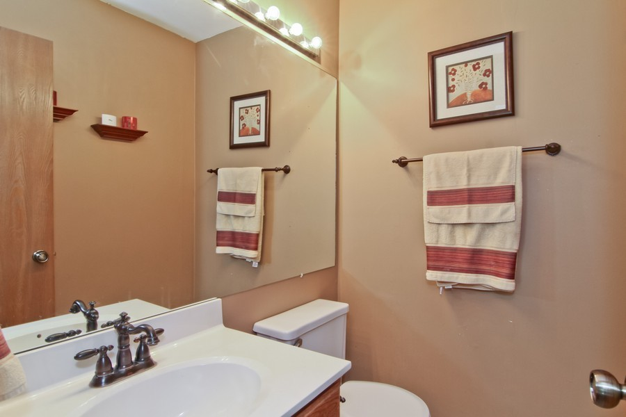 Real Estate Photography - 7330 Canterbury Pl, Downers Grove, IL, 60516 - Bathroom
