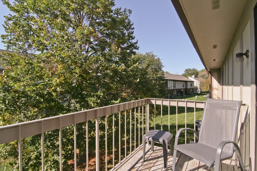 Real Estate Photography - 7330 Canterbury Pl, Downers Grove, IL, 60516 - Balcony