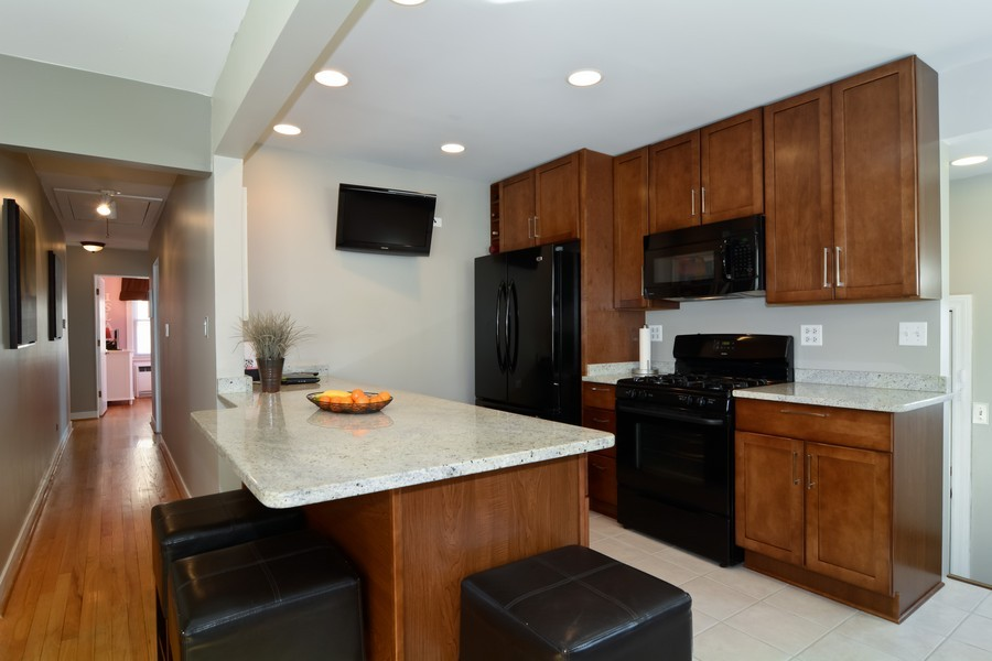 Real Estate Photography - 831 South Chatham Ave, Addison, IL, 60101 - Kitchen