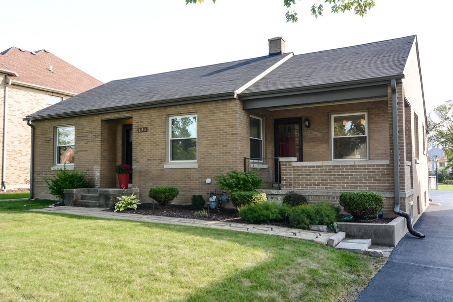 Real Estate Photography - 831 South Chatham Ave, Addison, IL, 60101 - Front View
