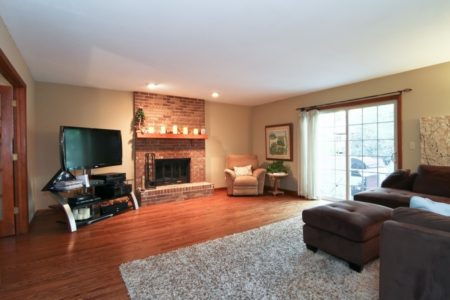 Real Estate Photography - 1016 Buckingham Dr, Naperville, IL, 60563 - Family Room