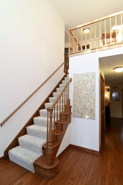 Real Estate Photography - 1016 Buckingham Dr, Naperville, IL, 60563 - Foyer