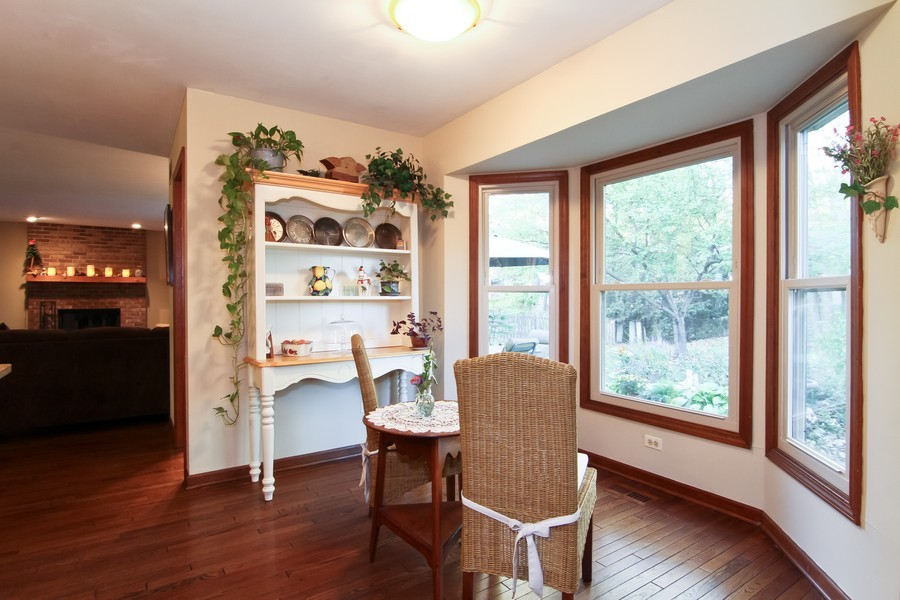 Real Estate Photography - 1016 Buckingham Dr, Naperville, IL, 60563 - Breakfast Area