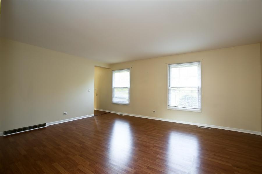 Real Estate Photography - 2701 Bordeaux Pl, Lisle, IL, 60532 - Living Room