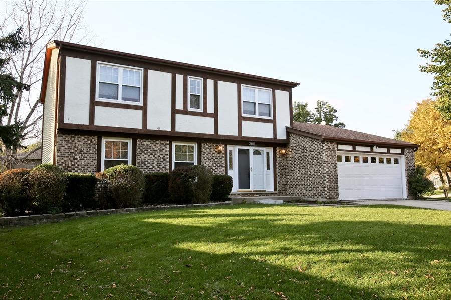 Real Estate Photography - 2701 Bordeaux Pl, Lisle, IL, 60532 - Front View