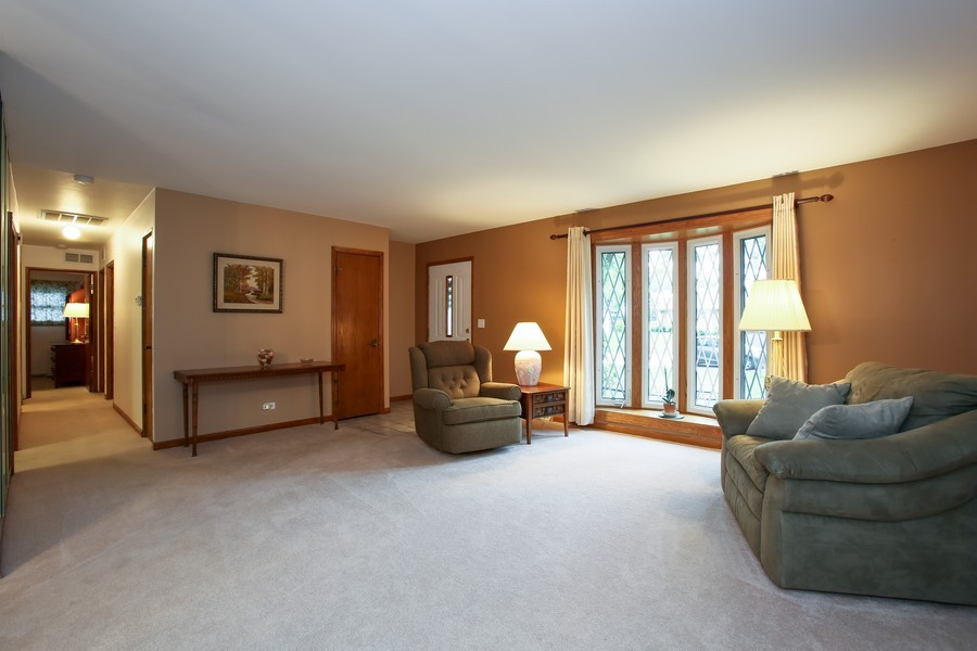 Real Estate Photography - 7721 Warwick Ave, Darien, IL, 60561 - Living Room