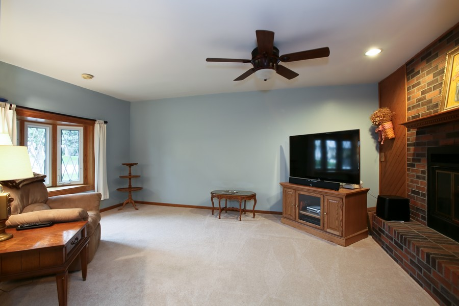 Real Estate Photography - 7721 Warwick Ave, Darien, IL, 60561 - Family Room