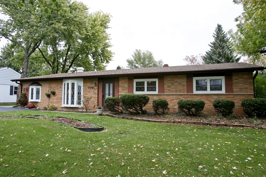 Real Estate Photography - 7721 Warwick Ave, Darien, IL, 60561 - Front View
