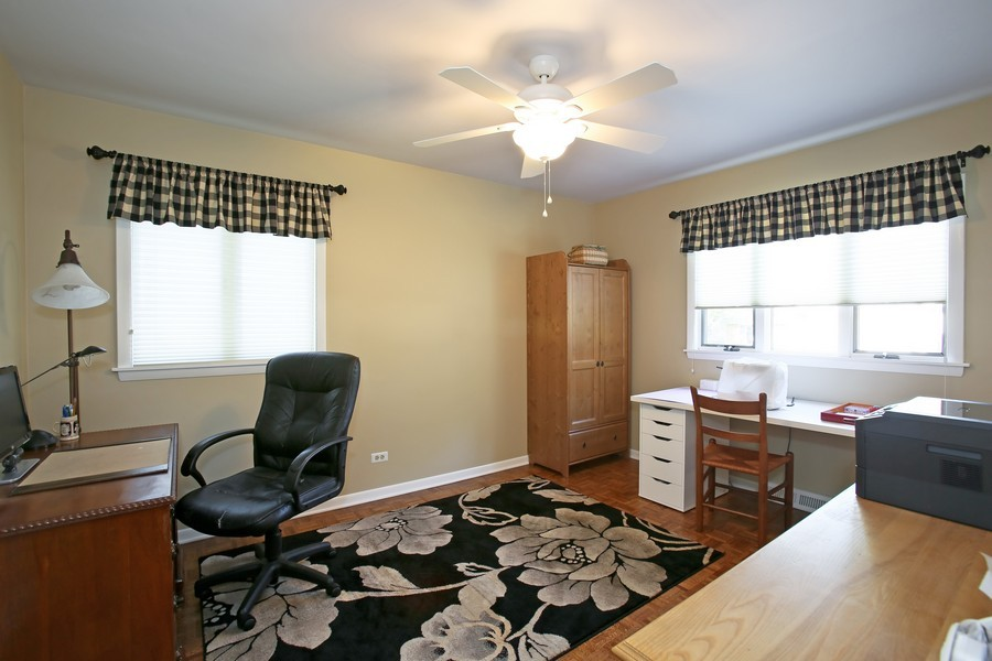 Real Estate Photography - 621 Magnolia Ct, Lombard, IL, 60148 - 2nd Bedroom