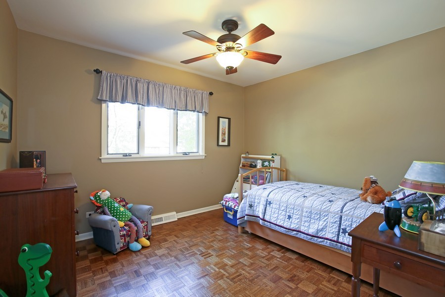 Real Estate Photography - 621 Magnolia Ct, Lombard, IL, 60148 - 3rd Bedroom