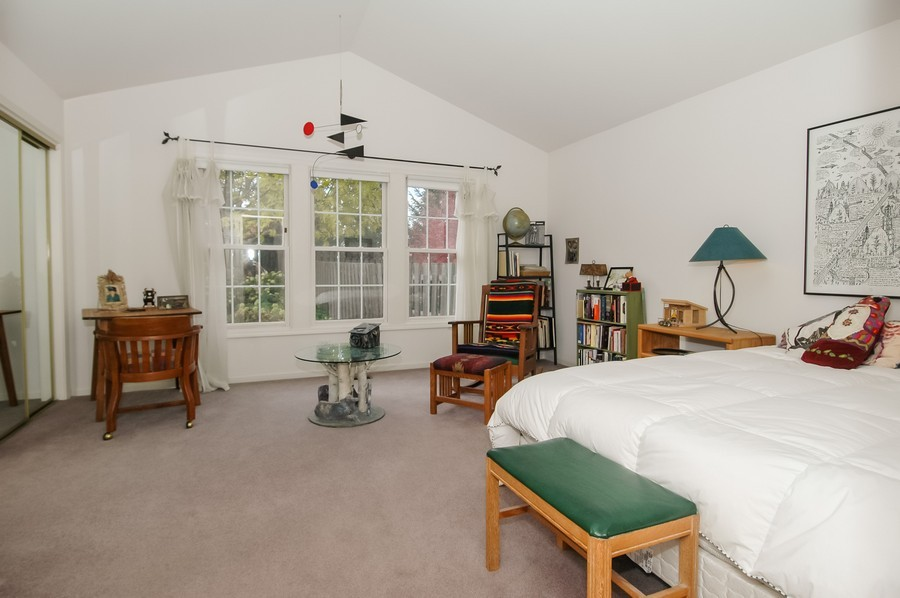Real Estate Photography - 457 Park Barrington Dr, Barrington, IL, 60010 - Master Bedroom
