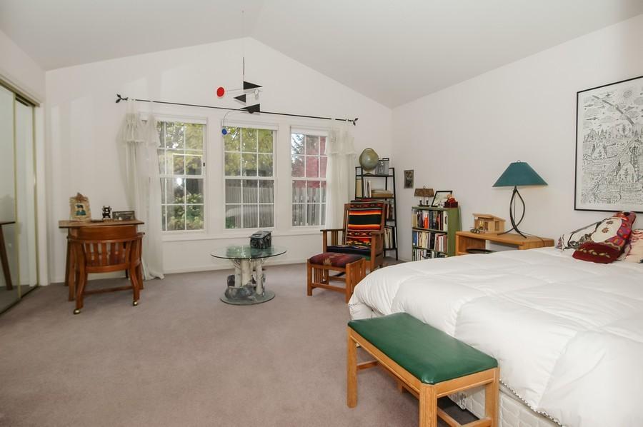 Real Estate Photography - 457 Park Barrington Dr, Barrington, IL, 60010 - Master Bedroom