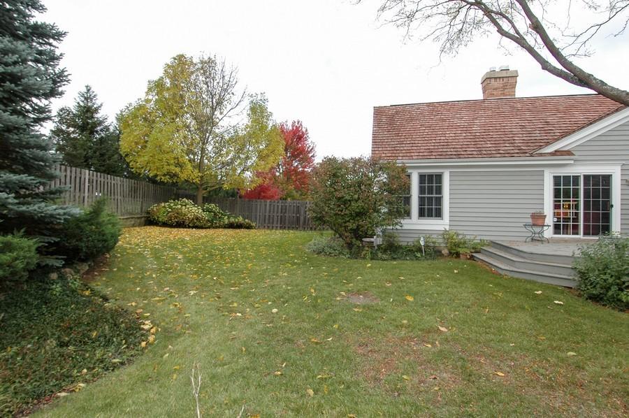 Real Estate Photography - 457 Park Barrington Dr, Barrington, IL, 60010 - Back Yard
