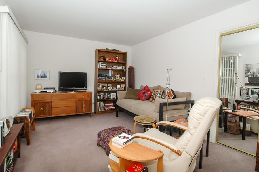 Real Estate Photography - 457 Park Barrington Dr, Barrington, IL, 60010 - Den