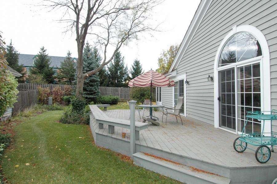 Real Estate Photography - 457 Park Barrington Dr, Barrington, IL, 60010 - Deck