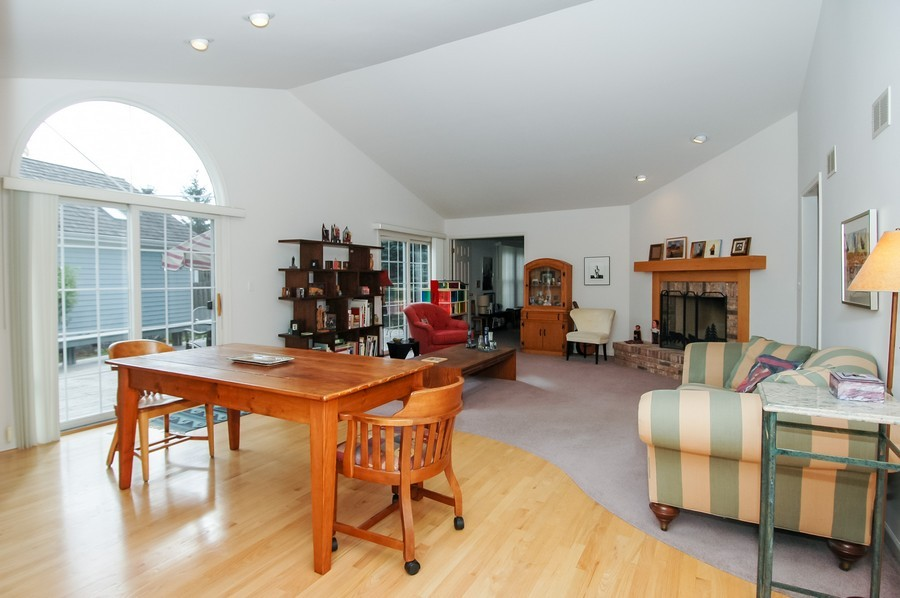 Real Estate Photography - 457 Park Barrington Dr, Barrington, IL, 60010 - Living Room / Dining Room