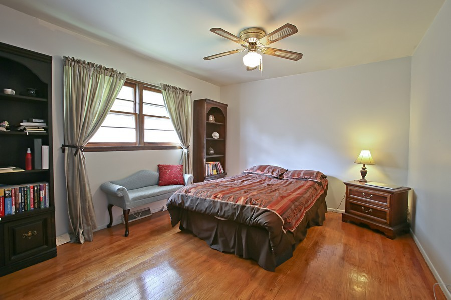 Real Estate Photography - 426 Blackhawk Dr, Westmont, IL, 60559 - Bedroom