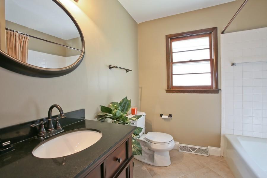 Real Estate Photography - 426 Blackhawk Dr, Westmont, IL, 60559 - Bathroom