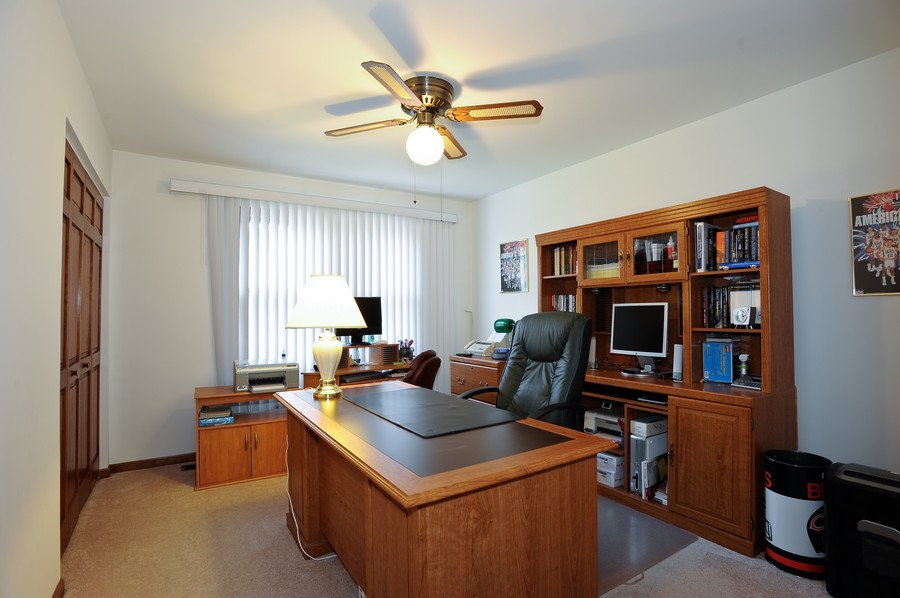 Real Estate Photography - 1712 Smokey Ct, Naperville, IL, 60563 - Bedroom