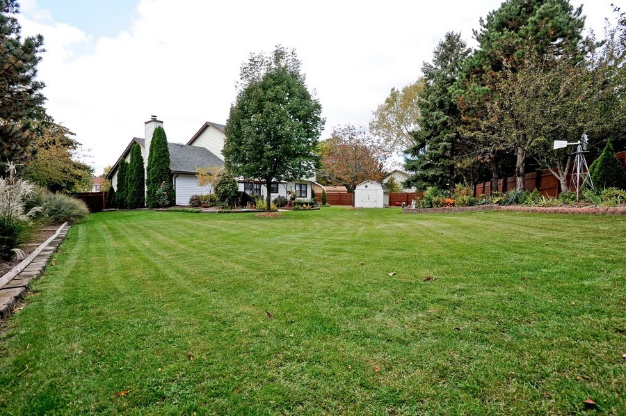 Real Estate Photography - 1712 Smokey Ct, Naperville, IL, 60563 - Back Yard