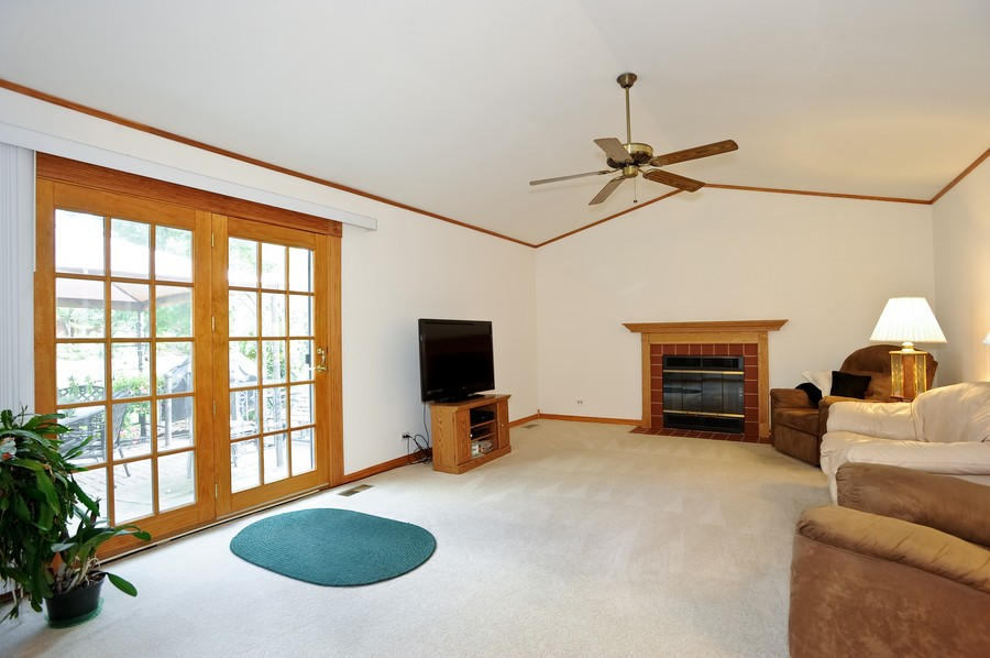 Real Estate Photography - 1712 Smokey Ct, Naperville, IL, 60563 - Family Room